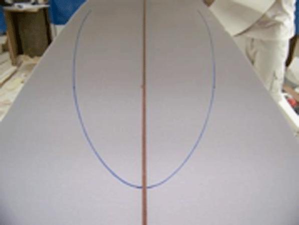 este template te va a permitir dibujar sobre el foam el outline de la tabla usando como eje de simetria el stinger de la tabla de manera que obtengas una